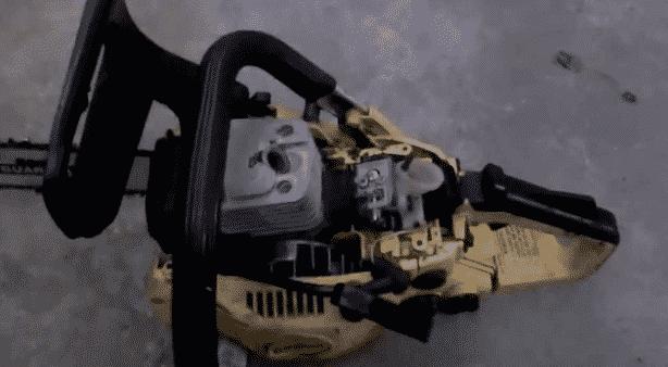 Почему бензопила стреляет в карбюратор